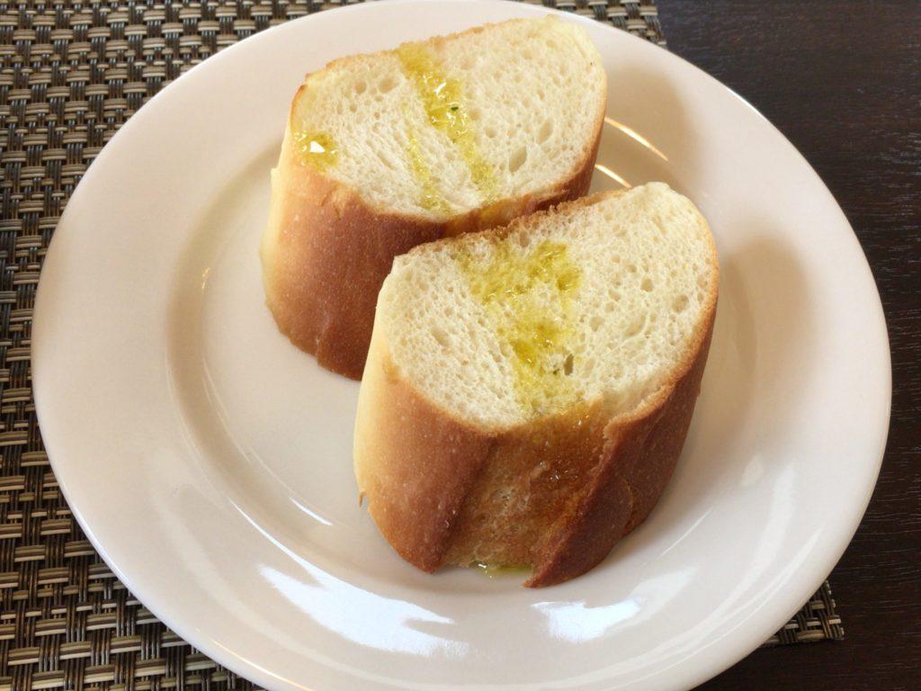 畑のレストランHUISゆいのパン