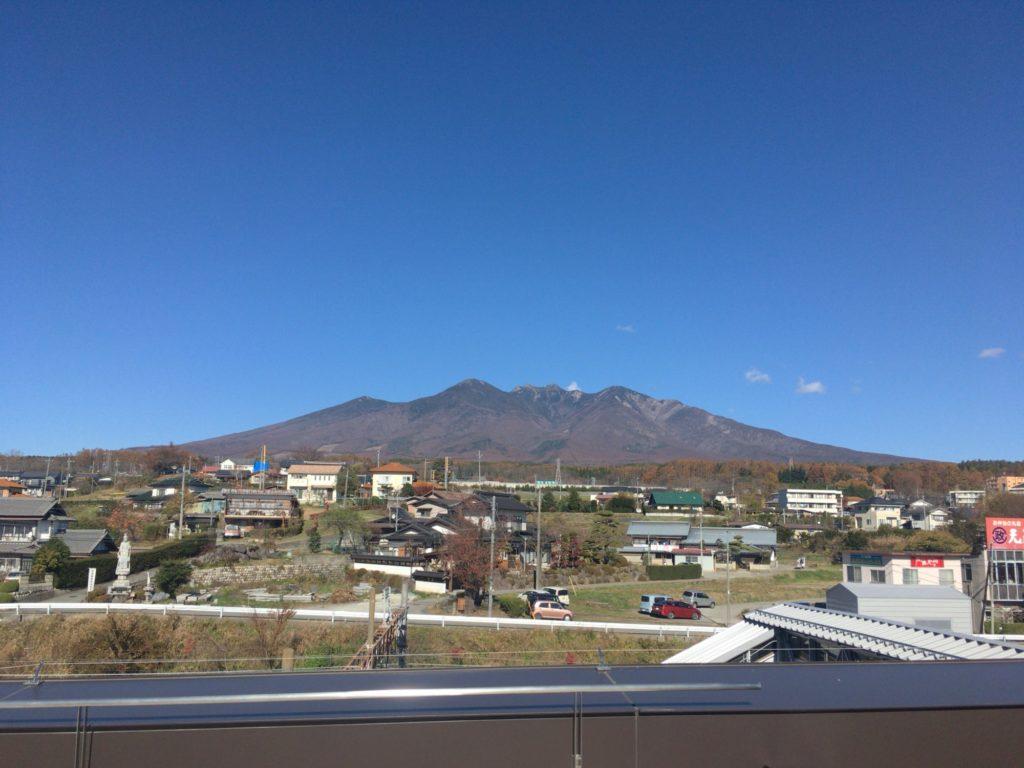 小淵沢駅屋上から見た八ヶ岳